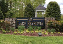lake_reynovia_entrance