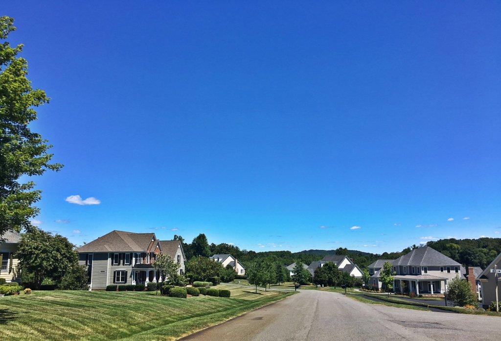 Foxchase neighborhood mountain view