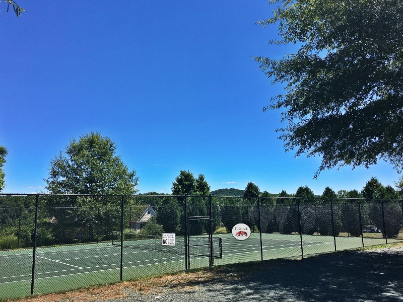 Foxchase tennis courts